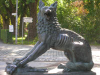 Statue of a wolf with a lamb, Trondheim