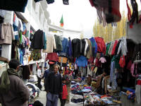 Market for old trekking clothing