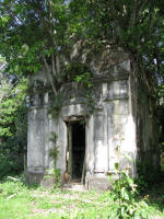 Santa Ana, an old tomb