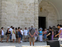 Spontaneous choir outside St. Tryphon's Cathederal